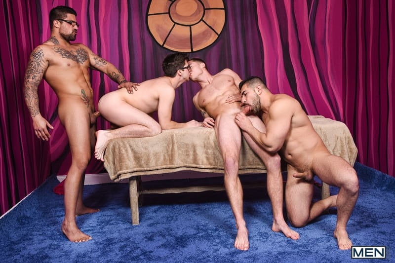 Men for Men Blog Gay-Porn-Pics-019-Damien-Stone-Justin-Matthews-Ryan-Bones-Will-Braun-Muscle-bound-stud-hardcore-ass-fucking-orgy-Men Muscle bound stud Damien Stone, Justin Matthews, Ryan Bones and Will Braun hardcore ass fucking orgy Men